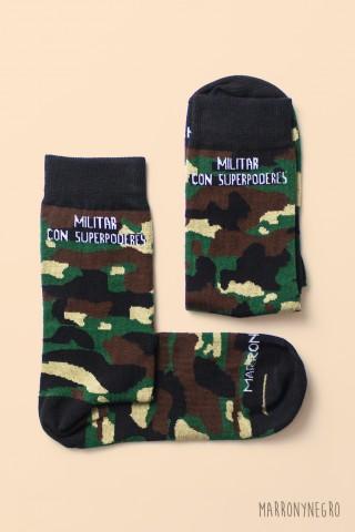Calcetines para militares. Militar con superpoderes