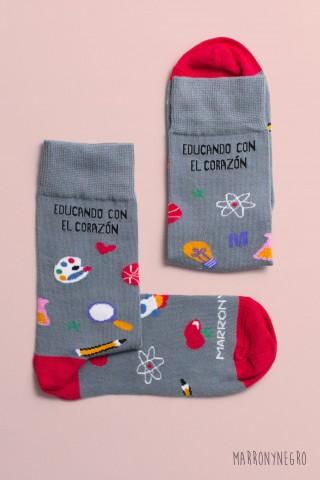 Calcetines con diseño original Educando con el corazón
