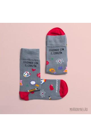 Calcetines con mensaje optimista Educando con el corazón