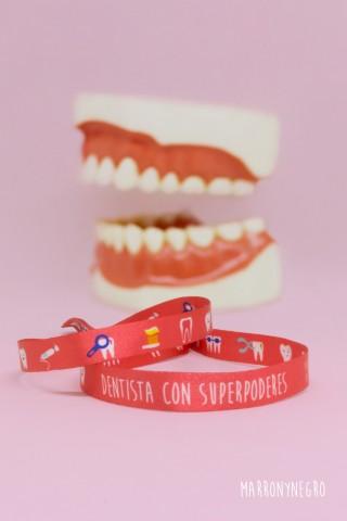 Pulsera Dentista con superpoderes